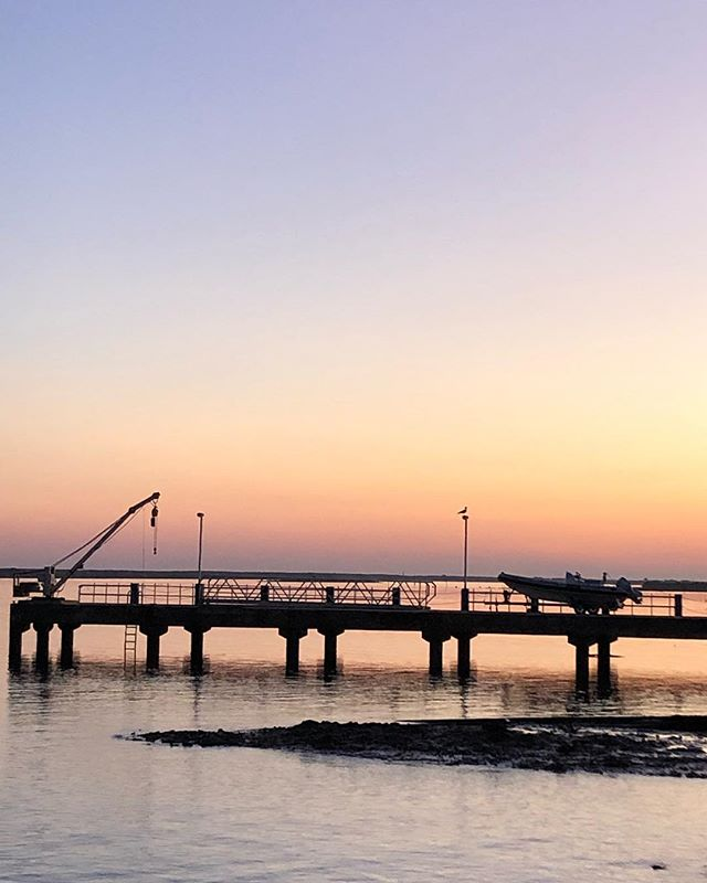 A kind of paradise... 🙌 . . . #algarve #tavira #discoveringtavira #sunset #travelgram #cityguides #algarve #quatroaguas #portugal #placestogo