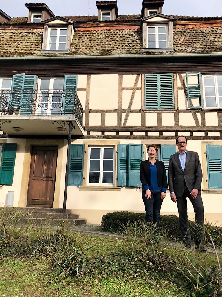 Kevin Steeves, EIN Director, and Agnès Ciccarone, EIN Finance and Events   Officer, in front of the René Cassin Foundation, home of the EIN Secretariat. Photo, Kevin Steeves