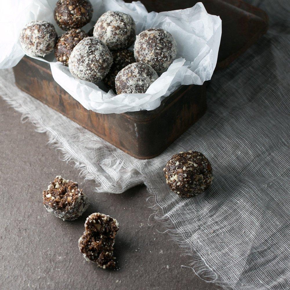 Cashew carob and Fig Balls-1.jpg