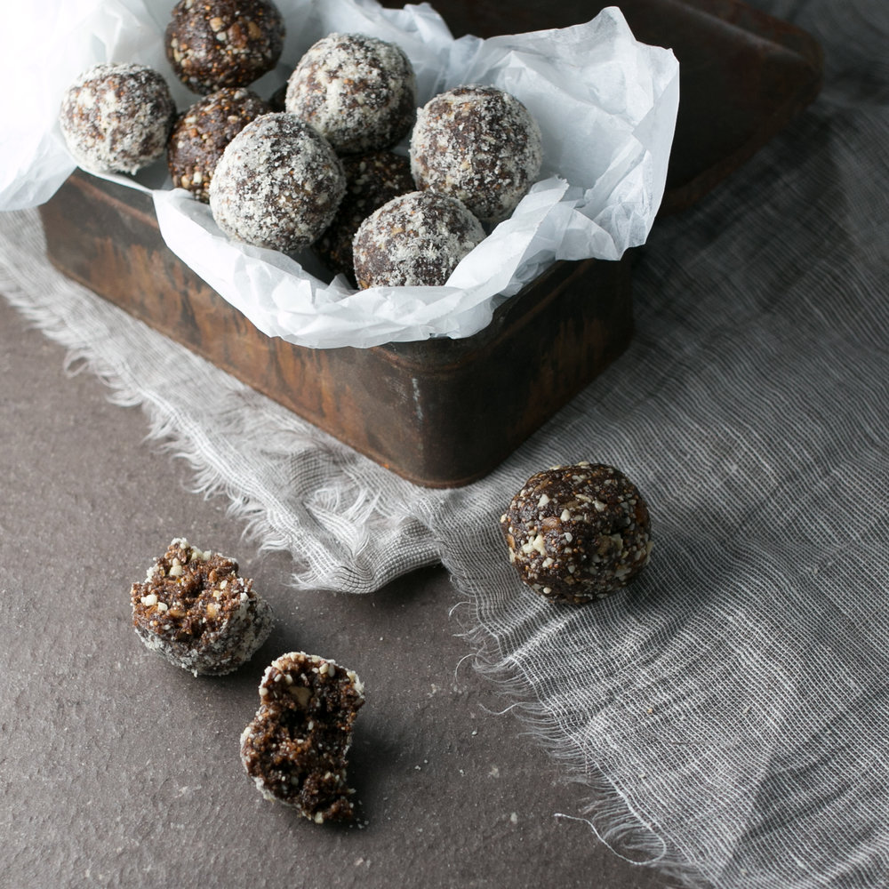 Cashew carob and Fig Balls-1.jpg