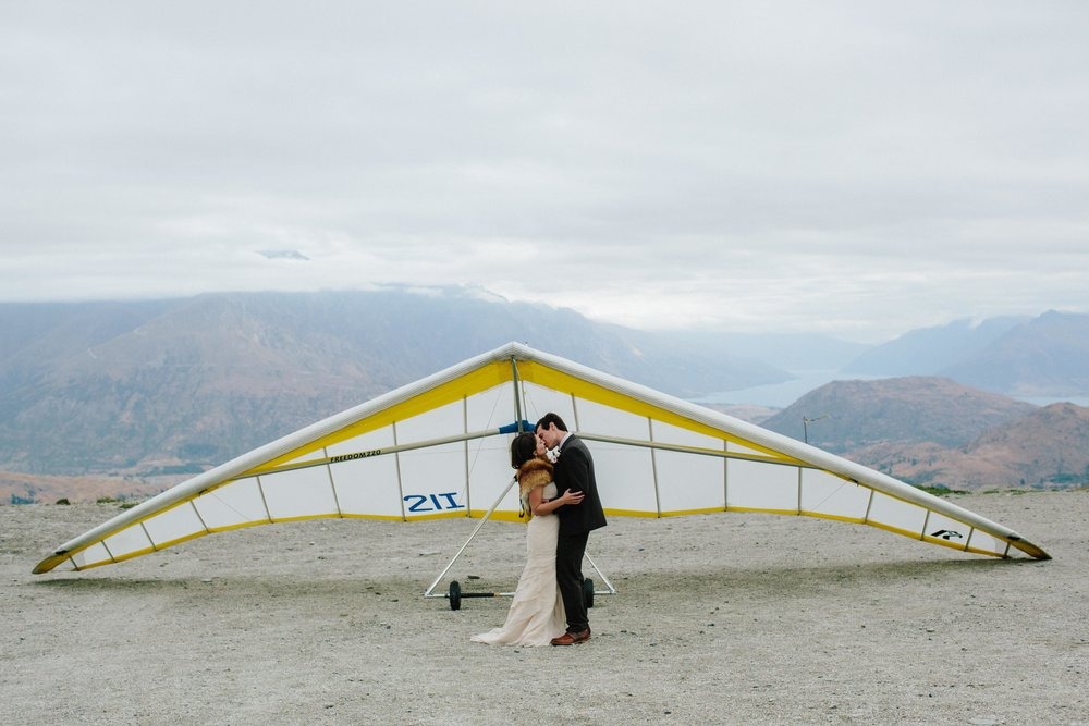 Coronet Peak-Adventure-Elopement-Hang-Gliding-Couple.jpg