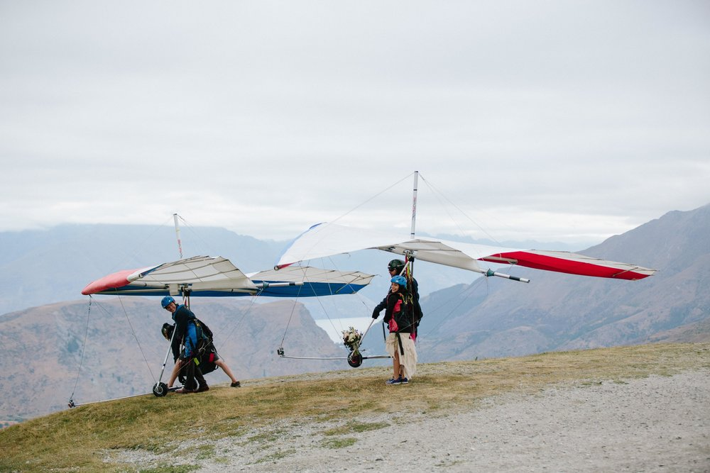 Hang-Gliding-Bride-Groom-Coronet Peak6.jpg