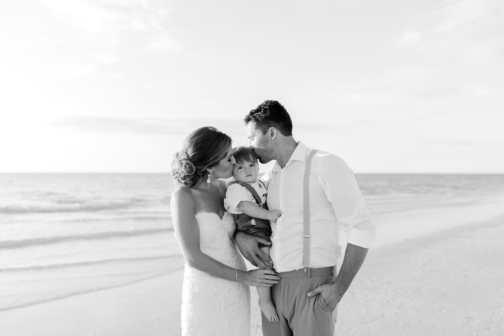 Erin-Jared-clearwater-beach-wedding-portraits-I58A6071.jpg