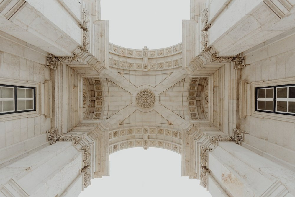 kaboompics_Looking up at the iconic Augusta Street Triumphal Arch, Lisbon, Portugal.jpg