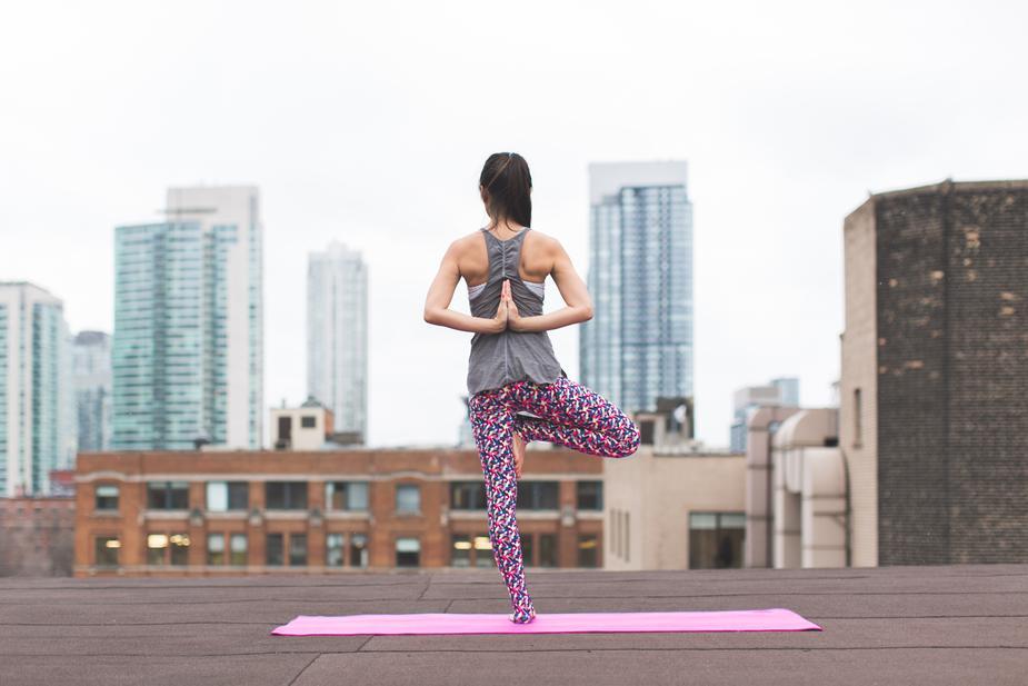 vrkasana-balance-yoga_925x.jpg