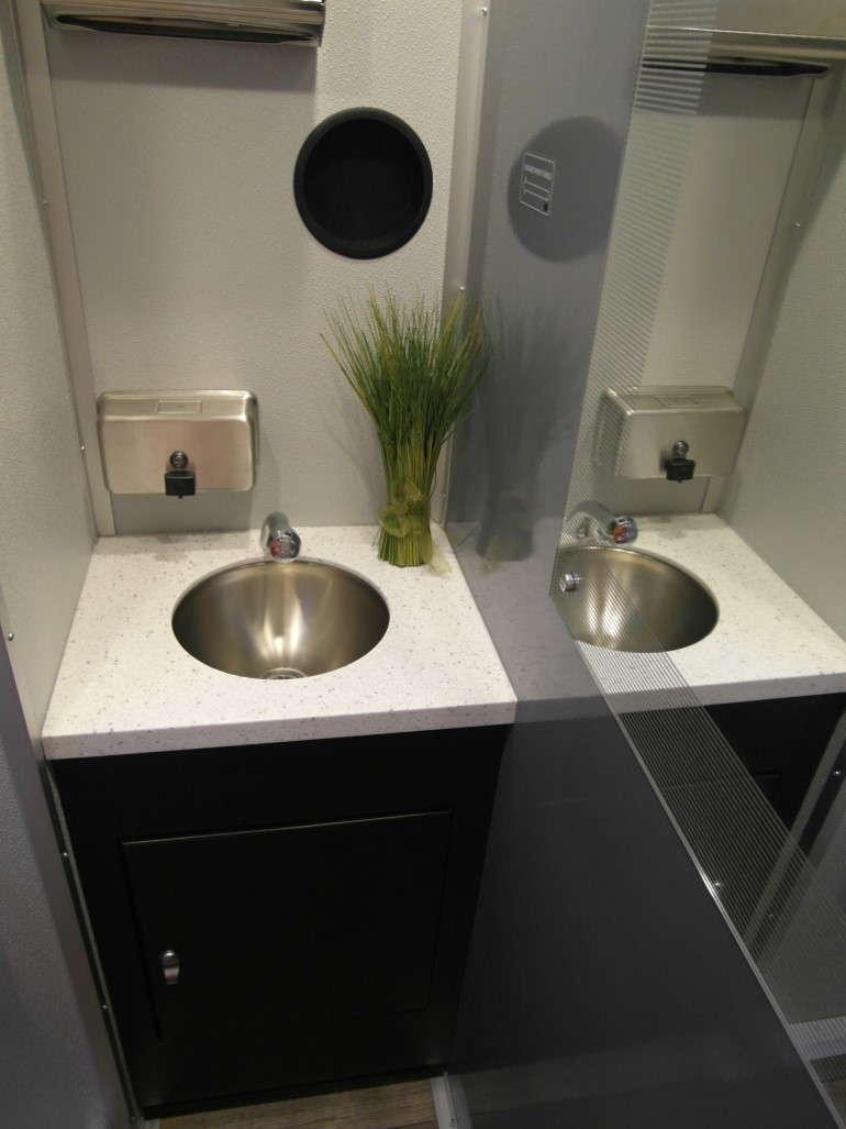 PLP4 Urban Sink and Mirror Stall 3.jpg