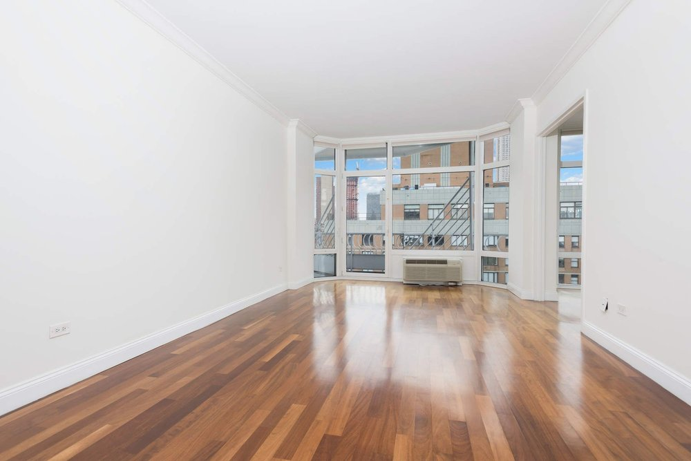 Luxury Real Estate NYC_Michele Llewelyn_200 EAST 32ND STREET APT 27D_2.jpg