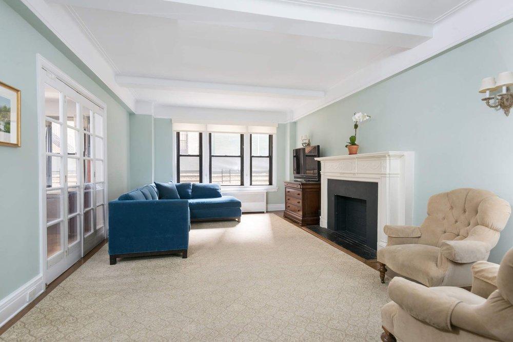 Luxury Real Estate NYC_Michele Llewelyn_70 EAST 96TH STREET APT 2D_3.jpg