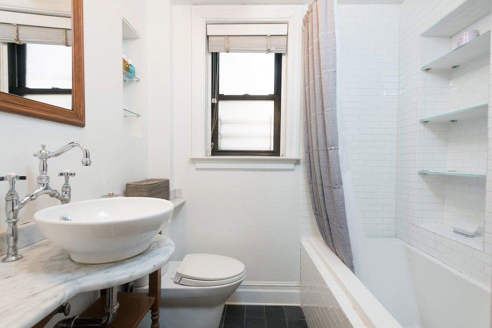 Luxury Real Estate NYC_Michele Llewelyn_70 EAST 96TH STREET APT 2D_5.jpg