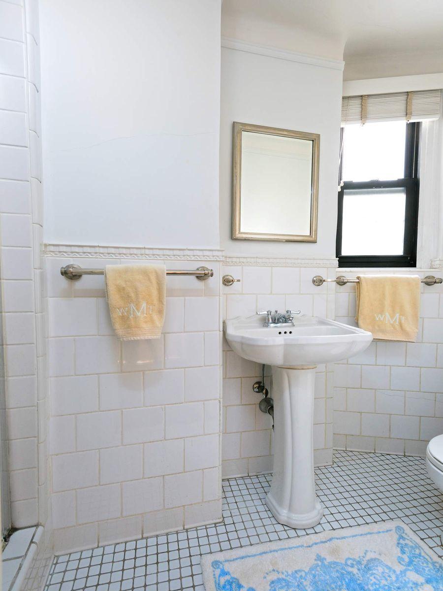 Luxury Real Estate NYC_Michele Llewelyn_70 EAST 96TH STREET APT 2D_6.jpg