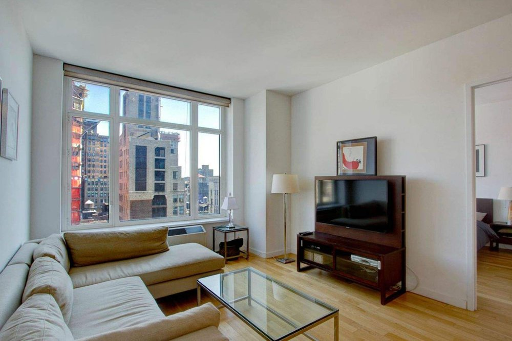 Luxury Real Estate NYC_Michele Llewelyn_200 EAST 32ND STREET APT 27D_1.jpg