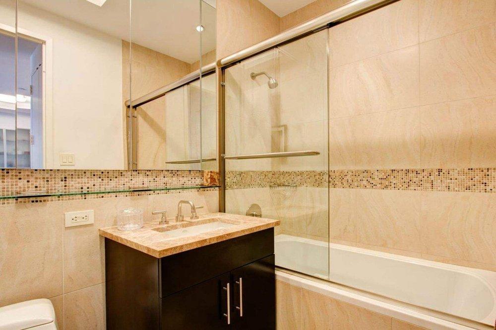 Luxury Real Estate NYC_Michele Llewelyn_200 EAST 32ND STREET APT 27D_3.jpg