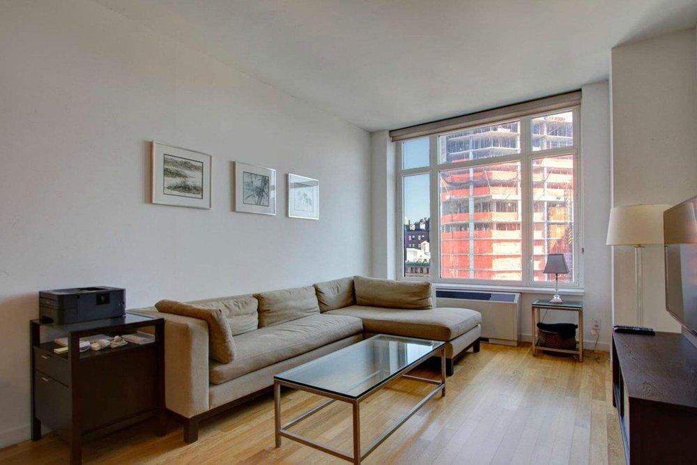 Luxury Real Estate NYC_Michele Llewelyn_200 EAST 32ND STREET APT 27D_7.jpg