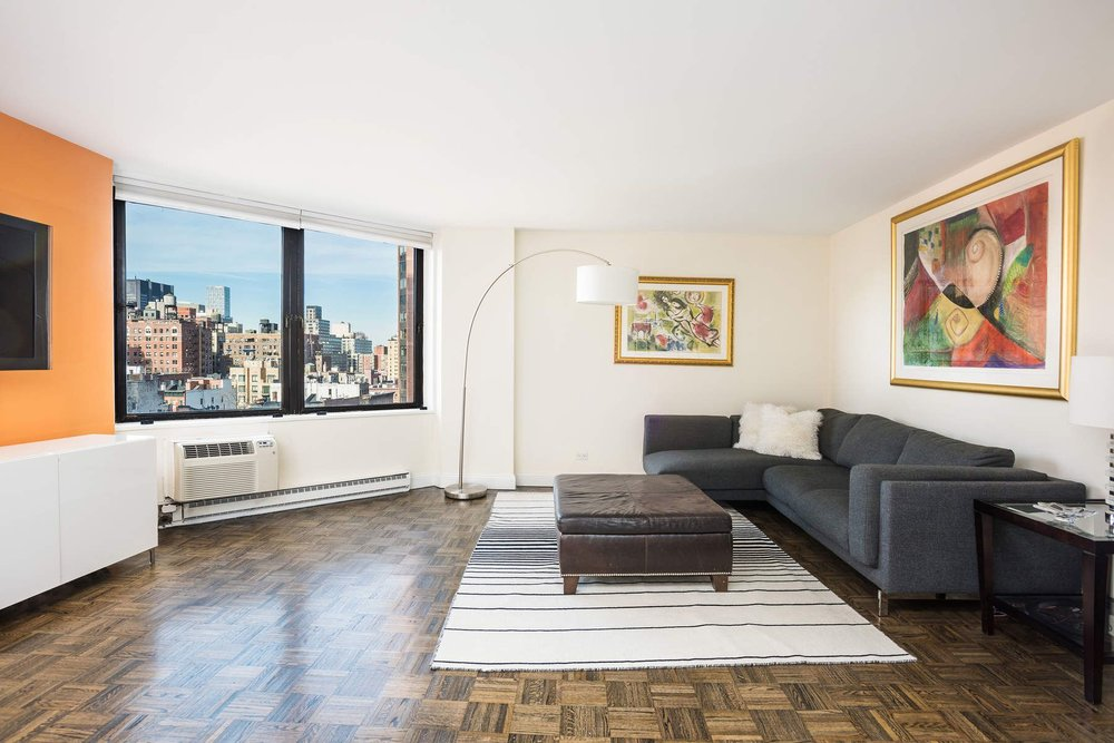 Luxury Real Estate NYC_Michele Llewelyn_200 EAST 32ND STREET APT 27D_6.jpg