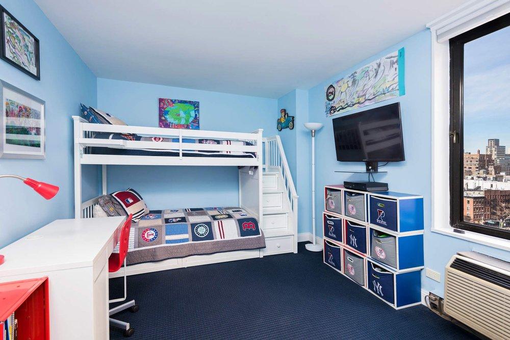 Luxury Real Estate NYC_Michele Llewelyn_200 EAST 32ND STREET APT 27D_8.jpg