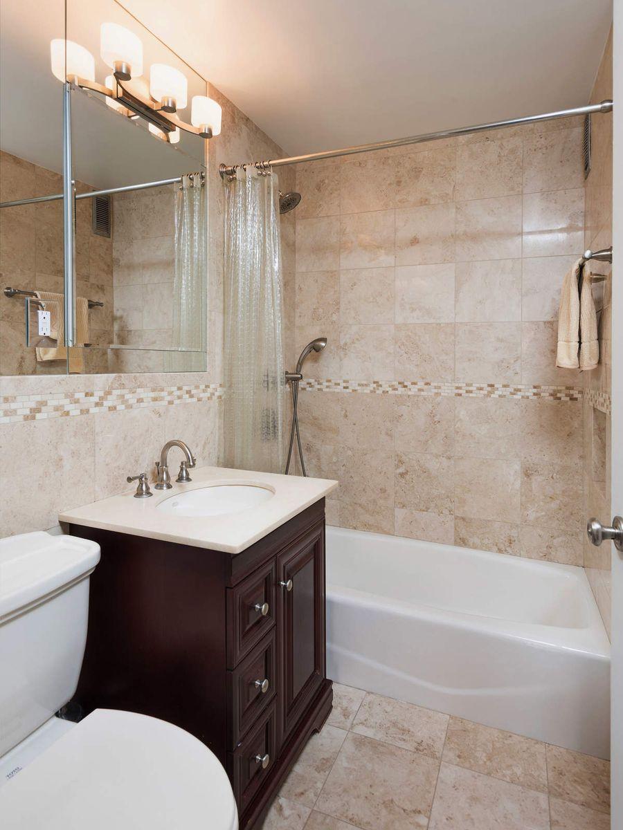 Luxury Real Estate NYC_Michele Llewelyn_200 EAST 32ND STREET APT 27D_10.jpg