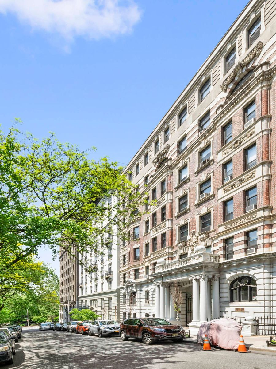Luxury Real Estate NYC_Michele Llewelyn_305 WEST 98TH STREET 5FN_3.jpg