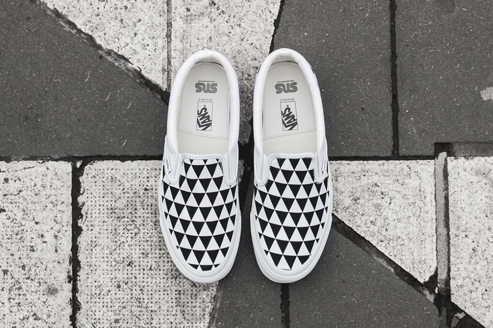 "Sneakersnstuff x Vans OG Classic Slip-On LX ""Stockholm"""