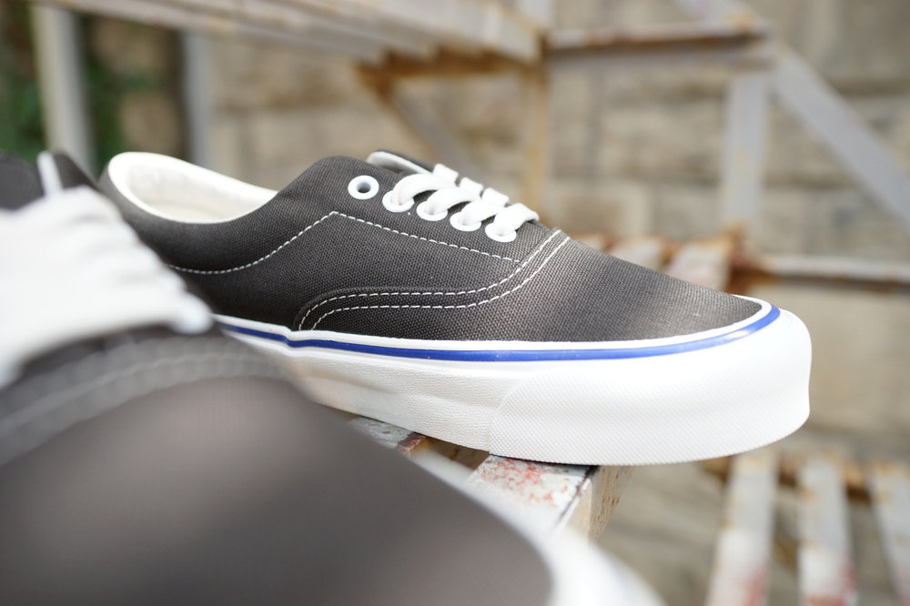 Vault by Vans OG Era LX Ebony/Lead and Beluga