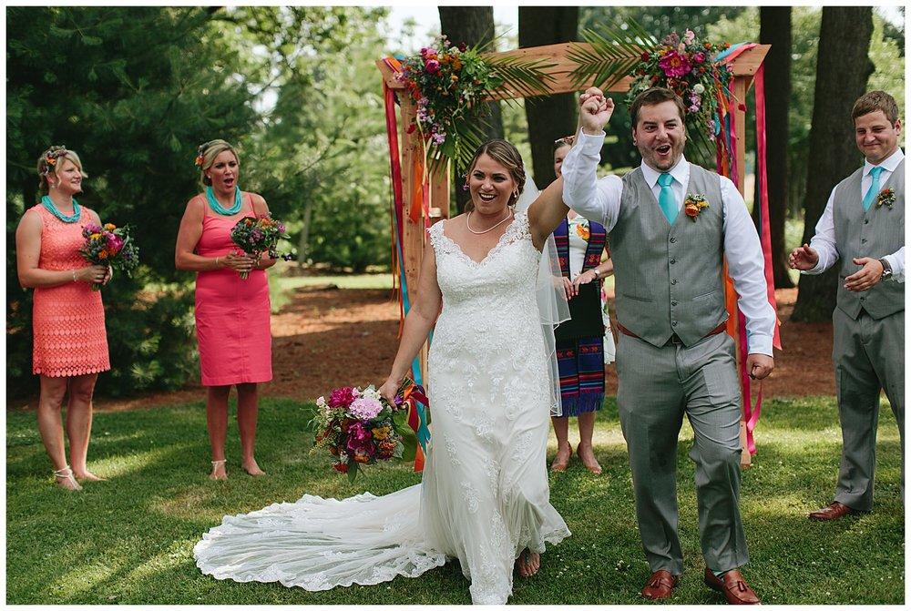 f.louisville.photographer.weddings.oxmoor.garden.estate-114.jpg