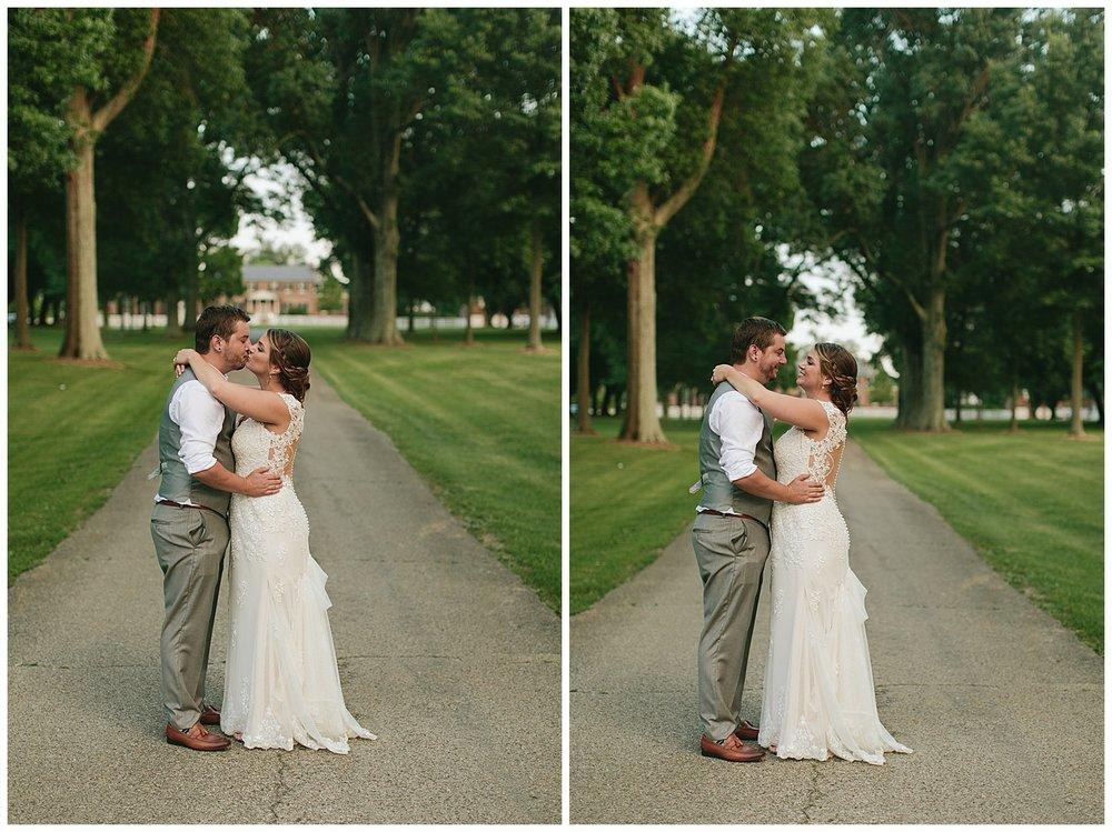f.louisville.photographer.weddings.oxmoor.garden.estate-138.jpg