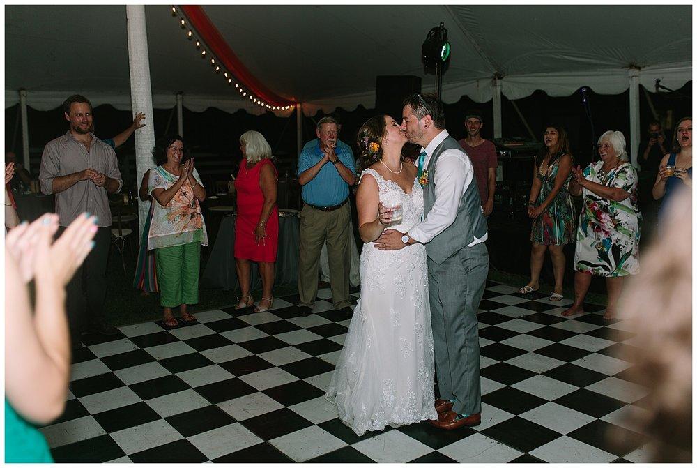 f.louisville.photographer.weddings.oxmoor.garden.estate-168.jpg