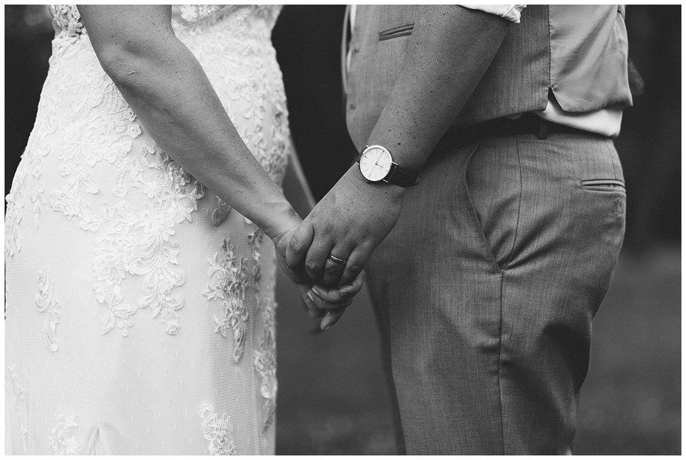 f.louisville.photographer.weddings.oxmoor.garden.estate-190.jpg