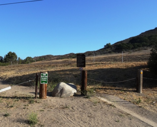 The trailhead at the corner of Washburn St and Los Amigos Avenue