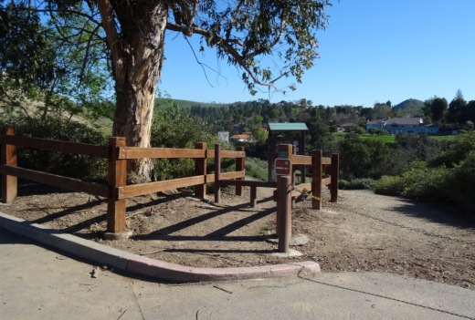 Arroyo Conejo Trailhead is on the right side of the parking lot.