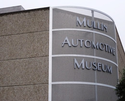 MullinAutomotiveMuseum_building.JPG
