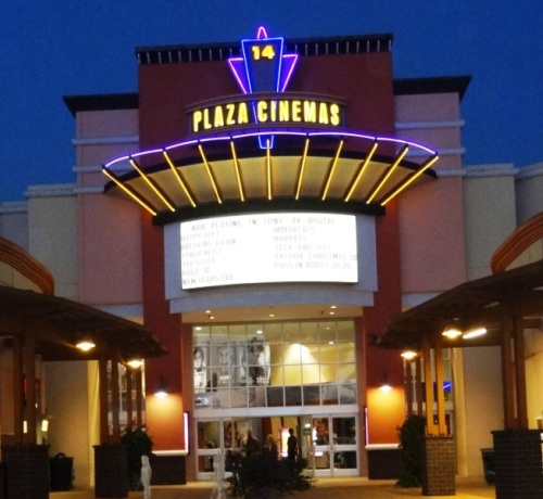 Plaza Stadium Cinemas 14 in Downtown Oxnard