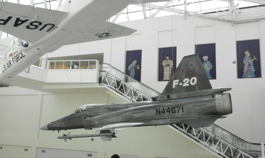 CalScienceCenter_Aircraft.JPG