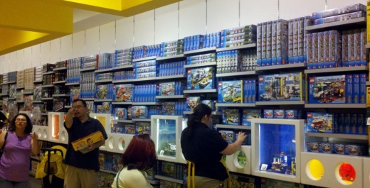 Fun With the Kids Yesterday at the Glendale Galleria LEGO Store ...