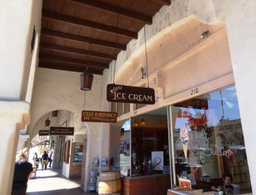 Strolling and shopping in the Ojai Arcade