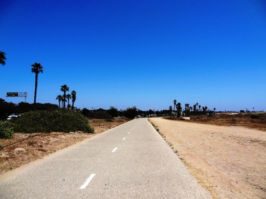 Bike path along San Buenaventura State Beach