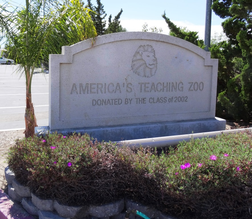Moorpark Teaching Zoo Sign