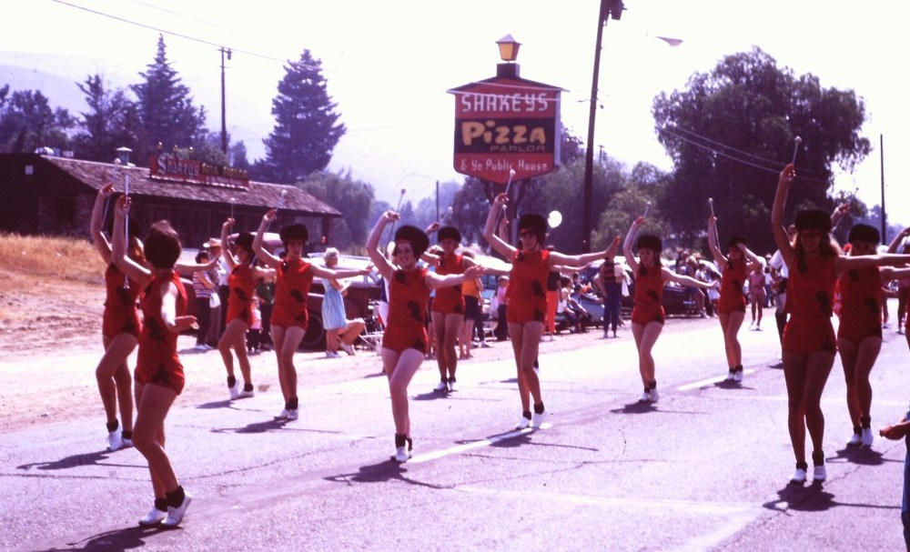 Shakey's Pizza Parlor in the background at the 1966 Conejo Valley Days Parade