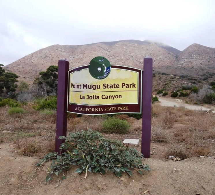 La Jolla Canyon sign in need of repair in September 2015