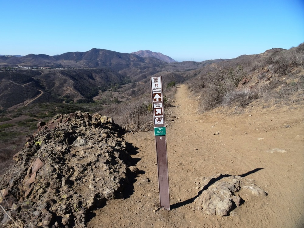 Sign just south of Lizard Rock indication direction of Lizard Rock Trail towards Wildwood Canyon