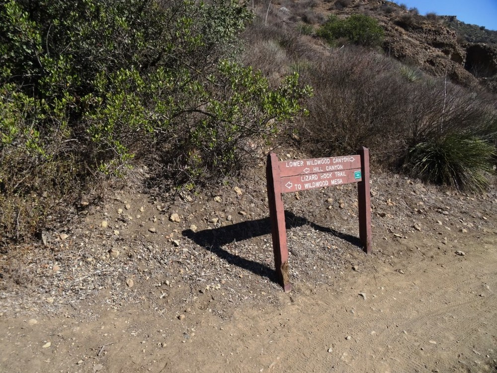 At the very bottom of the trail, after you have completely passed the water treatment plant, you see this sign that indicates you are on your way towards Lower Wildwood Canyon.