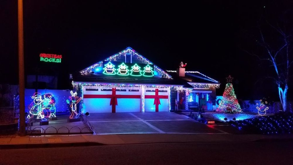 Residential Holiday Light Displays in the Conejo Valley and Surrounding  Areas - Residential Holiday Light Displays In The Conejo Valley And