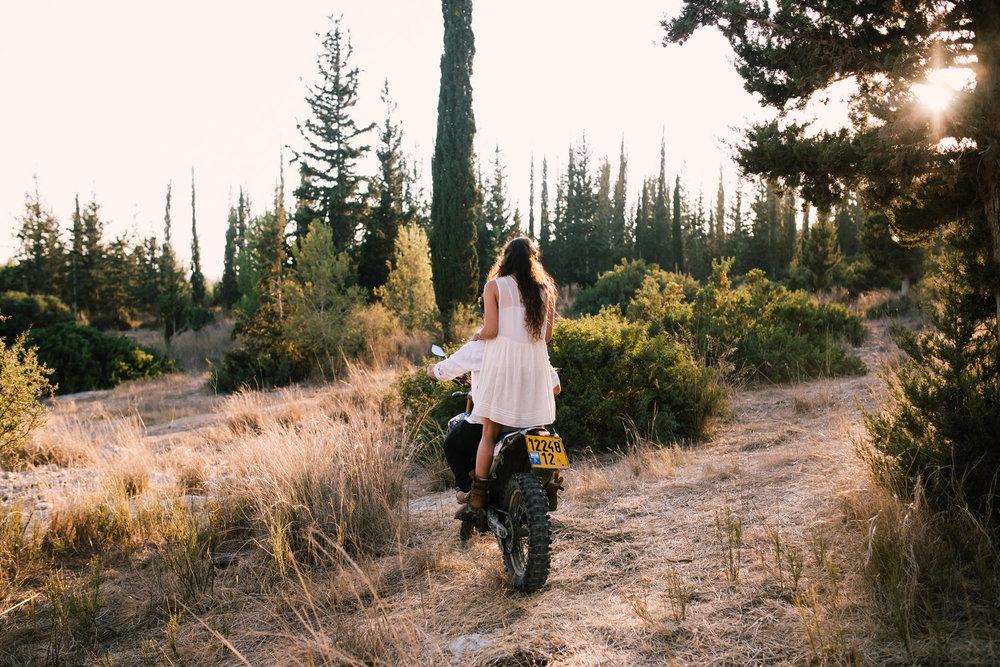 צילום זוגות צלם זוגות צילומי save the date צלם save the date צלם קדם חתונה צילום קדם חתונה.jpg