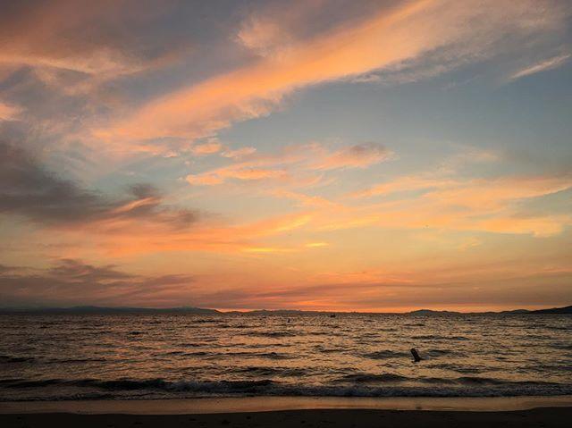 #sunset #nofilter #countdowntosunset #wreckbeachsunset