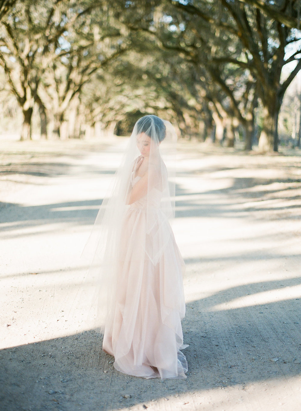 the-happy-bloom-design-studio-south-wormsloe-plantation-wedding-sarah-seven-blushing-ivory-and-beau-bridal-boutique-savannah-wedding-dresses-savannah-bridal-boutique-savannah-weddings-savannah-wedding-planner-savannah-event-planner-22.jpg