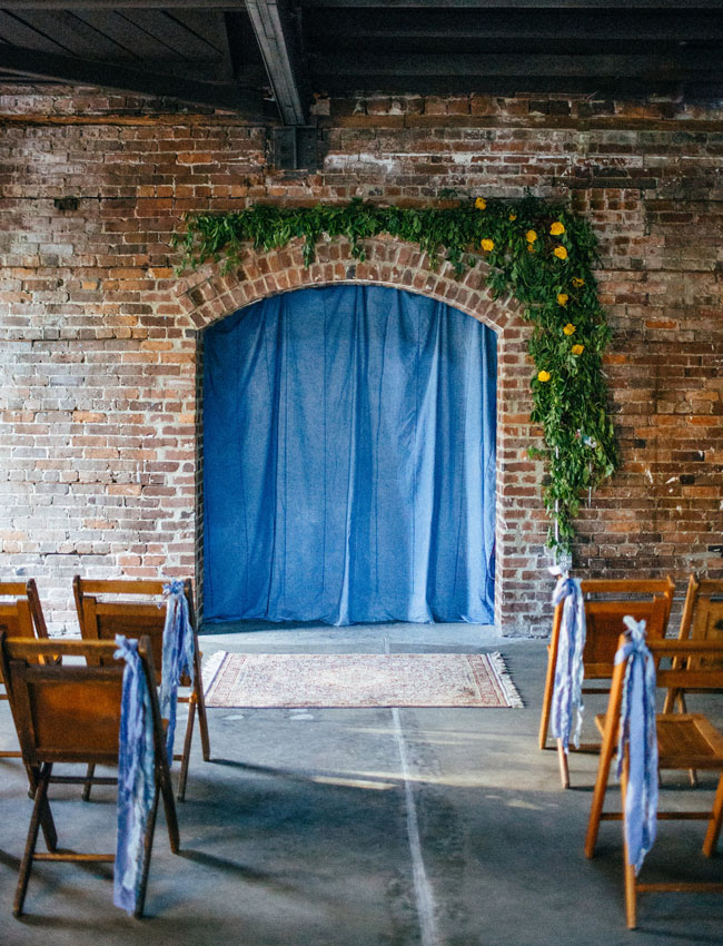 chambray-wedding-inspiration-savannah-bridal-boutique-ivory-and-beau-ceremony-backdrop.jpg