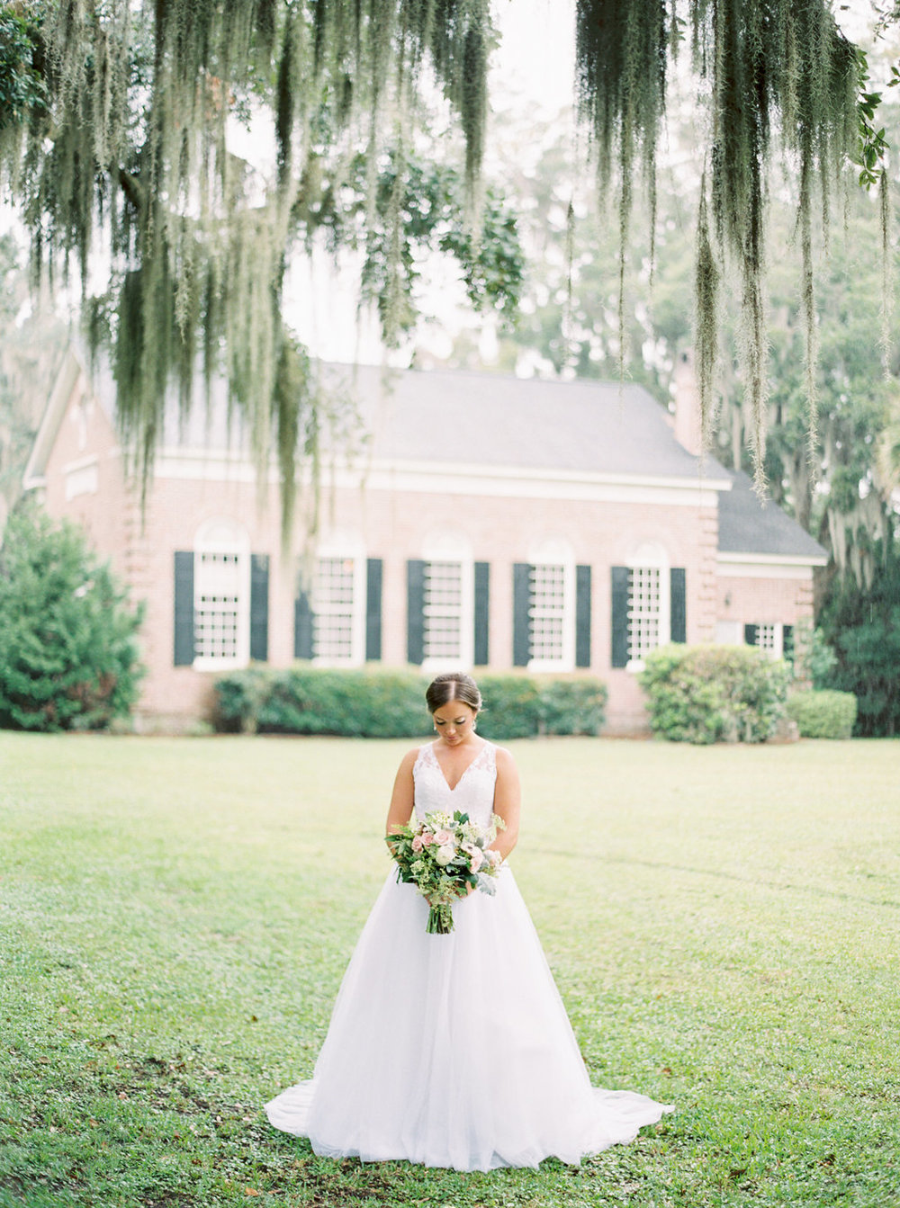 the-happy-bloom-photography-ivory-and-beau-wedding-planning-ivory-and-beau-bridal-boutique-whitfield-chapel-wedding-10-downing-wedding-savannah-wedding-historic-savannah-wedding-savannah-wedding-planner-savannah-weddings-a-to-zinnias-17.jpg