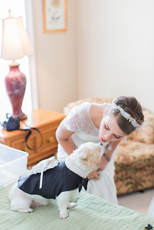 katie-mcgee-photography-ivory-and-beau-bridal-boutique-anna-campbell-wedding-dress-anna-campbell-bridal-indie-bride-savannah-weddings-savannah-bridal-boutique-savannah-wedding-gowns-savannah-bridal-downtown-savannah-wedding-6.png