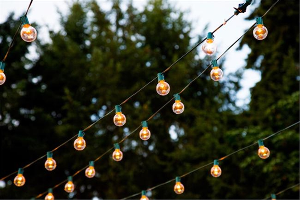green-string-light-cord-set-for-paper-lanterns-marnie-girls-hbo-tv-show-wedding-inspiration.jpg