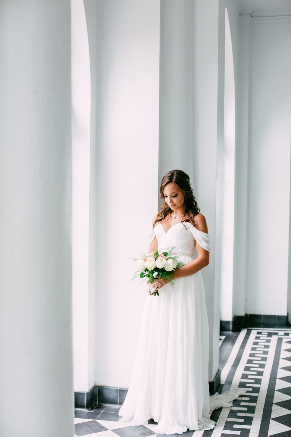 sara-bee-photography-charleston-wedding-savannah-weddings-ivory-and-beau-bridal-boutique-savannah-wedding-planner-sarah-seven-lafayette-sarah-seven-bride-sarah-seven-bridal-marsh-wedding-lowcountry-wedding-1.jpg