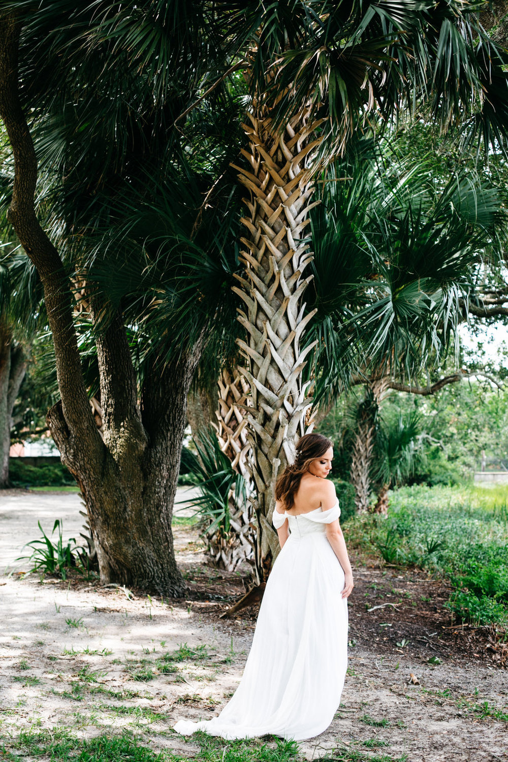 sara-bee-photography-charleston-wedding-savannah-weddings-ivory-and-beau-bridal-boutique-savannah-wedding-planner-sarah-seven-lafayette-sarah-seven-bride-sarah-seven-bridal-marsh-wedding-lowcountry-wedding-5.jpg